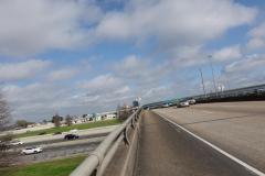 0200 - Nicht ungefährlicher Fußweg über die Interstate