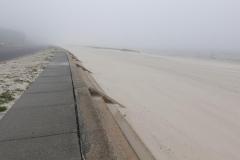 0236 - Fahrt auf dem Gehweg entlang der Küste