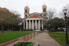 0263 - Eine große, katholische Kirche