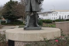 0267 - Wieder am Hafen die Statue von Mister D'Ibberville