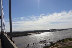 0273 - Blick von oben auf Mobile-River und im Hintergrund die Mobile-Bay