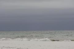 0329 - Meer und weißter Sandstrand, eigentlich ein Traum, wenn man nicht gegen den Wind fahren müsste