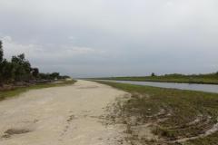 0527 - Viele Entwässerungsgräben sorgen dafür, dass der Wasserstand nicht überhand nimmt