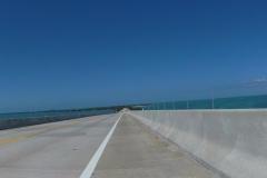 0565 - Und wo es eine Brücke hinauf geht, geht es hinterher auch wieder hinab