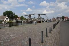 Einfahrt nach Greifswald über diese historische Hebebrücke