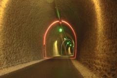 351 - Die Beleuchtung im Tunnel war witzig