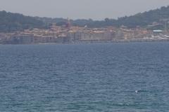 448 - Blick auf Saint-Tropez von der gegenüberliegenden Seite der riesigen Bucht
