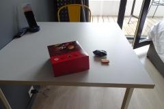 229 - Frühstück aus dem Karton auf dem Zimmer
