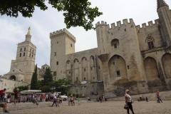 320 - Links im Bild die Kathedrale Notre Dame
