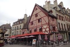 144 - Dijon