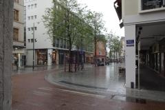 075 - Leere Strassen bei diesem Regenwetter