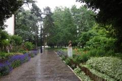 083 - Die Stadt hat viel Grün, es gibt einige solcher Parkanlagen