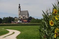 Beeindruckende Kirchen säumen den Weg