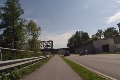 Nach den Panzerplatten die Bundesstraße ...