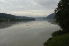 Ganz andere Stimmung plötzlich, wenn der Dunst über dem Fluss liegt
