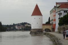 Beim letzten Hochwasser stand dieser Turm angeblich bis zum Dach unter Wasser
