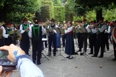 """Promenadenkonzert """"einer befreundeten Kapelle aus Südtirol"""" mit Lord Tullamore"""