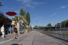 Entlang des Donau-Kanals in Wien