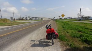 Diese Brücke über den Sabine Lake trennt Texas von Louisiana