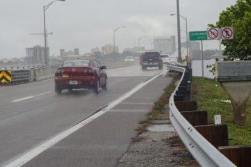 Für Fahrradfahrer und Fußgänger gesperrte Brücke nach Fort Myers